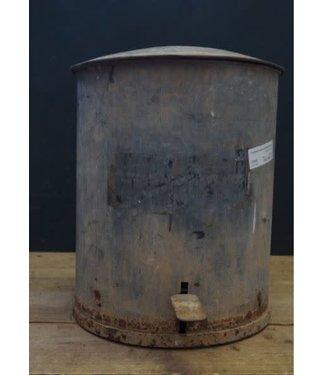 ## J832 - Oude pedaalemmer - metaal - 45 x 65 x 57 cm - alleen afhalen/wordt niet verzonden