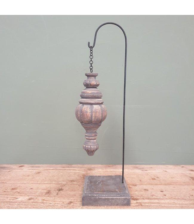 # Houten ornament op stander - 14 x 14 x 52 cm