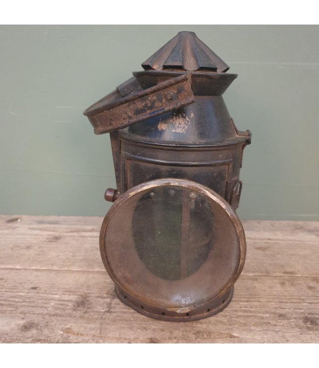 # Oude spoorweglamp - - 6 - 23 x 20 x 30 cm