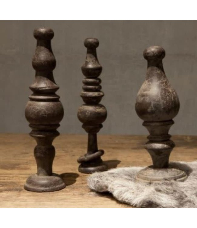 # A134 - Set van 3 stoere houten ornamenten