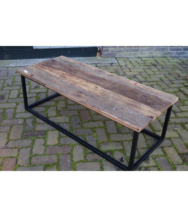 @ Salontafel oud hout - metalen frame - 125 x 50 x 40 cm - alleen afhalen/wordt niet verzonden