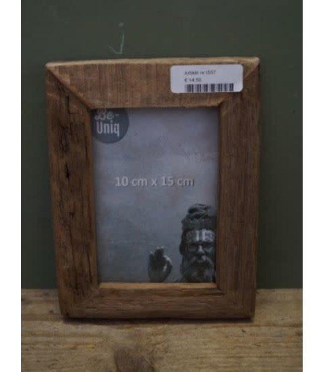 # I557 - Fotolijst - oud hout - per stuk - 16 x 21 x 2 (binnenkant 9,5 x 14,5 cm)