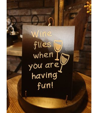 *E681 - kaart wine flies