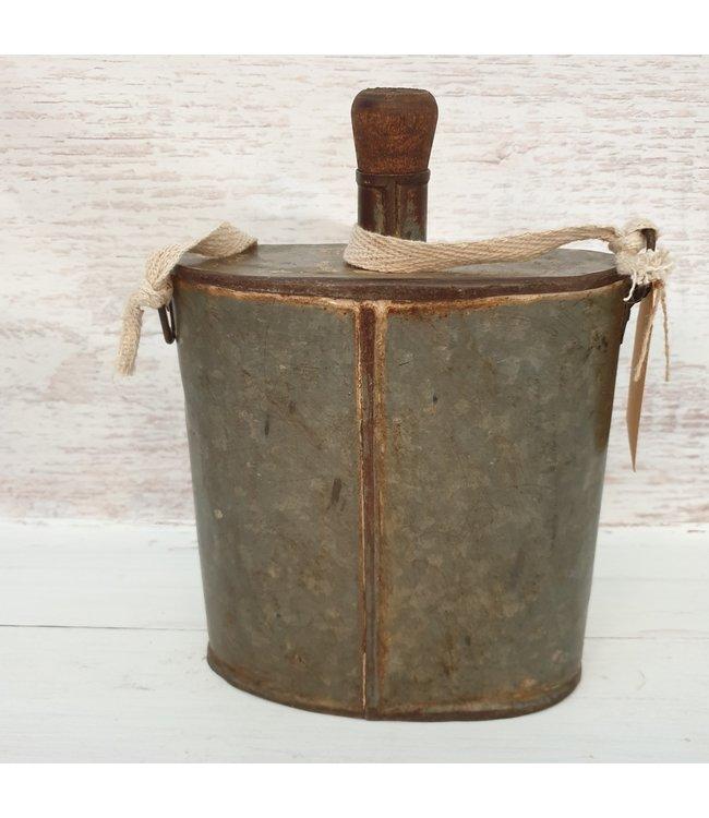 Iron bottle flask - 12 - 19 x 8 x 27 cm