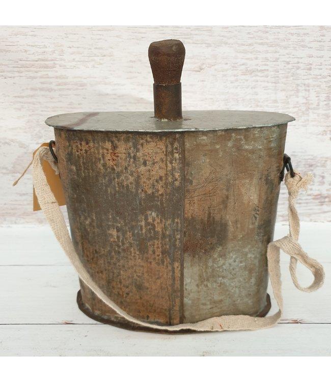 Iron bottle flask - 15 - 23 x 10 x 27 cm