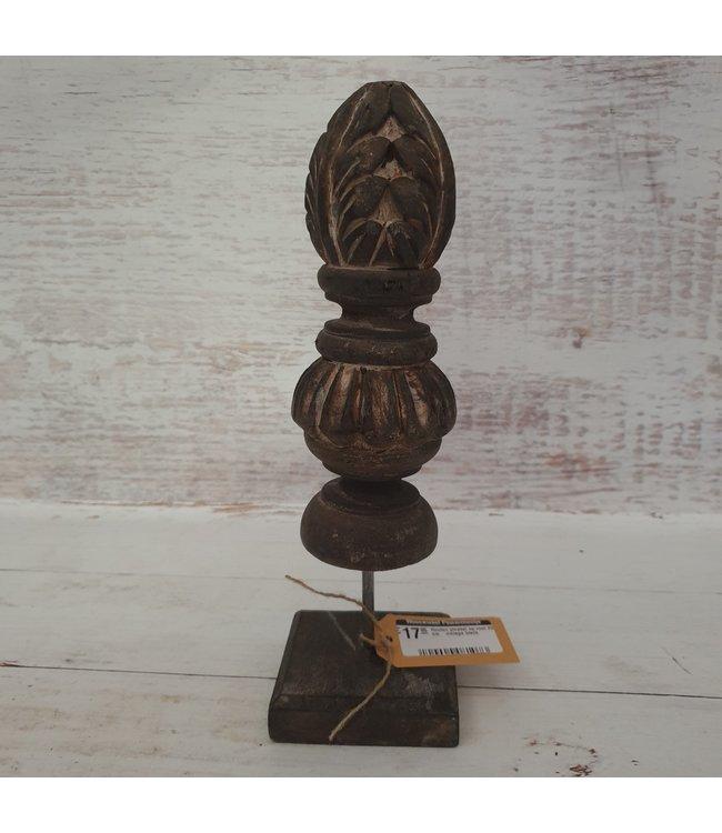 Houten pinakel op voet  - 9 x 9 x 29 cm    vintage black