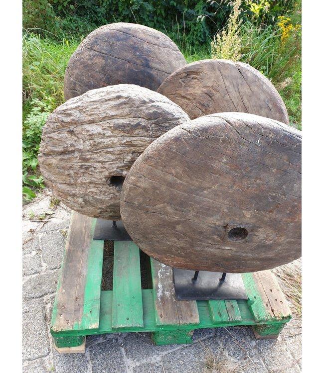 Mix - zwaar houten wiel op metalen stander - per stuk - wordt niet verzonden/alleen afhalen