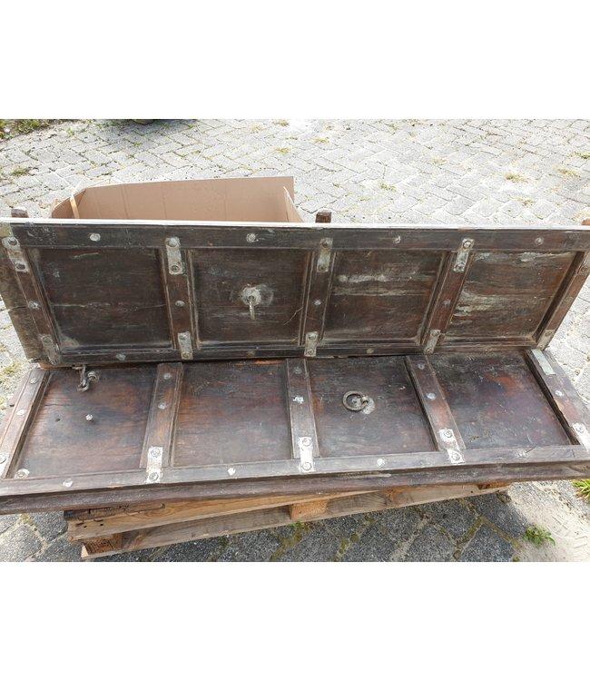 Set van 2 stoere zware houten luiken - wordt niet verzonden/alleen afhalen in Hellum