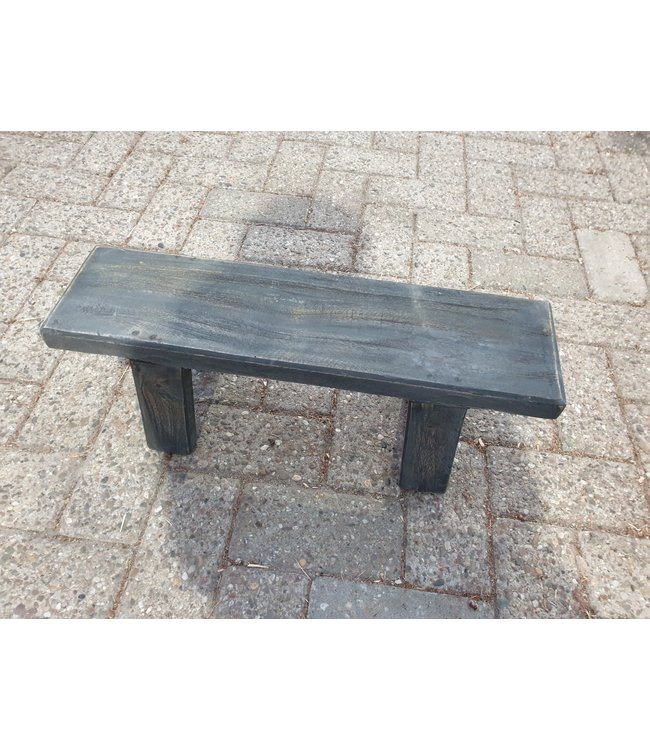 GG - zwart houten opstapje