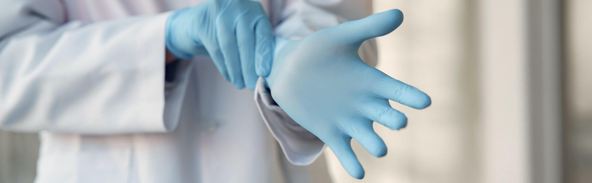 Onmisbaar binnen de ziekenhuizen, nitril handschoenen