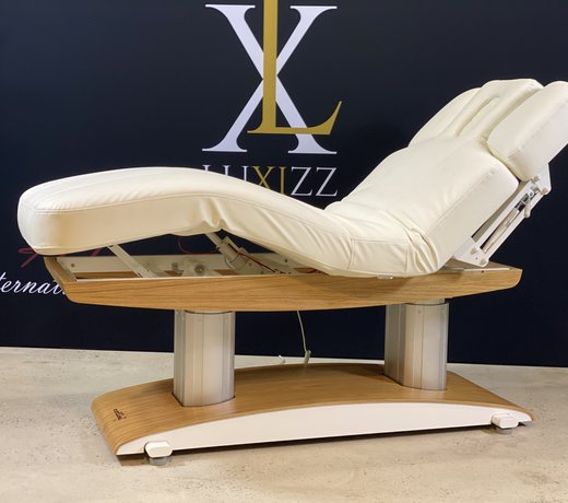 Wellness treatment tables for the masseur