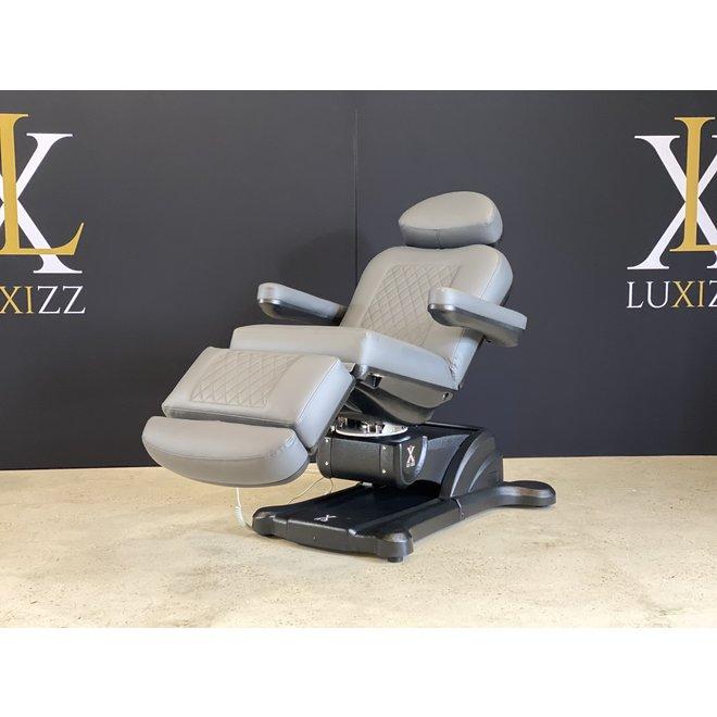 Okura SR3 treatment chair