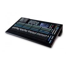 Allen & Heath QU-32 digitale mixer