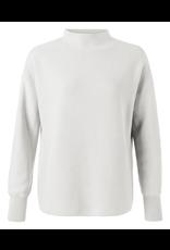 YAYA YAYA Stand up collor  sweater Off white