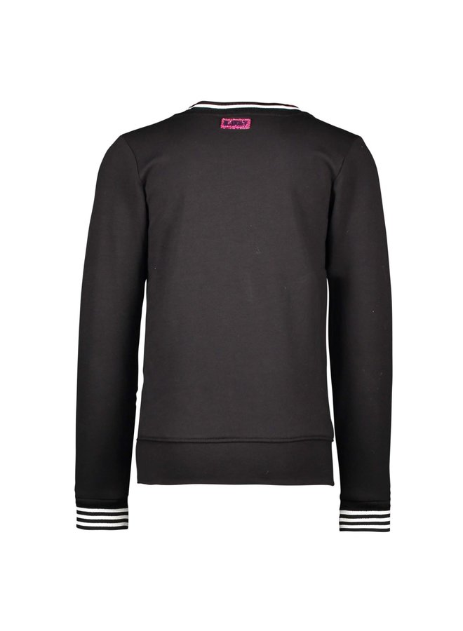Sweater Sequince Artwork On Chest - Black