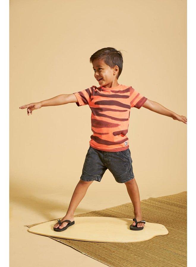 Sturdy - T-shirt AOP Neon Koraal - Happy Camper