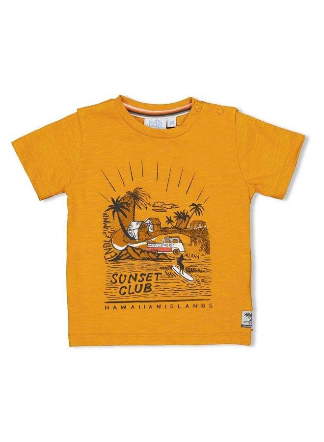 Feetje - T-shirt Sunset Club Okergeel - Happy Camper