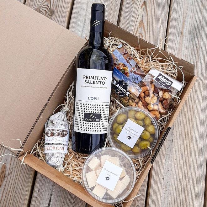 Borrelbox Italiaans (keuze uit witte of rode wijn of prosecco)