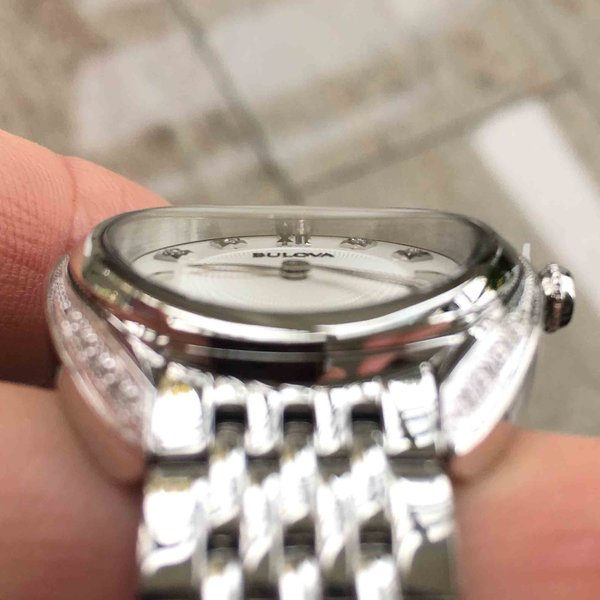 Bulova Bulova 96R212 Classic Diamond Damen Uhr 30 mm