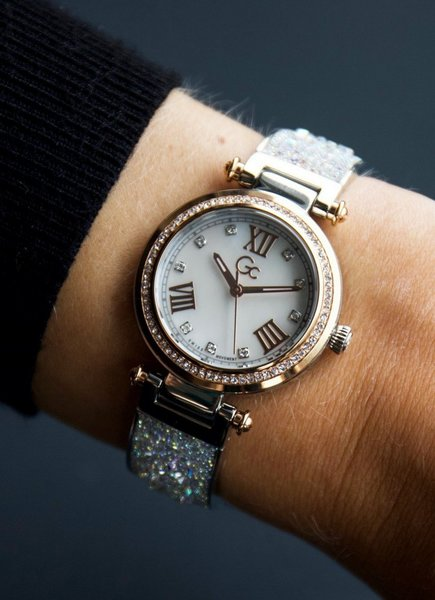 Gc Gc Guess Collection Y47011L1MF PrimeChic ladies watch 32 mm