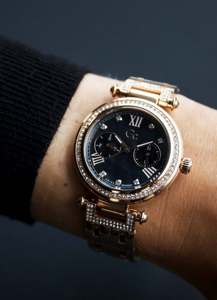 Gc Guess Collection Gc Guess Collection Y78001L2MF PrimeChic ladies watch 36 mm