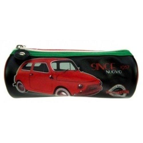 Pennenetui met een rode Fiat 500 afbeelding.