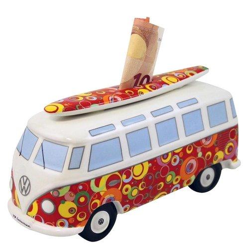 Volkswagen T1 bus rode spaarpot met surfplank