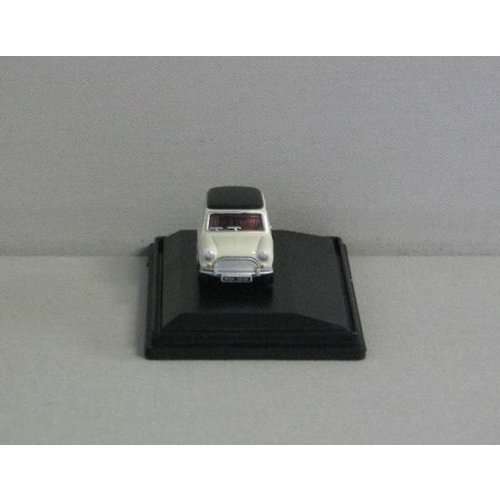 Mini Cooper Old 1:76 wit/zwart