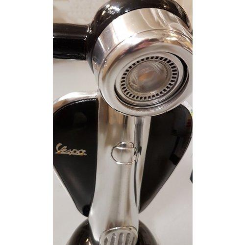 Vespa Vespa schwarzer Metall-Roller Tischlampe