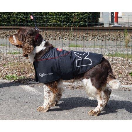 K9-evolution K9-Jas is een warme gevoerde jas en waterdicht