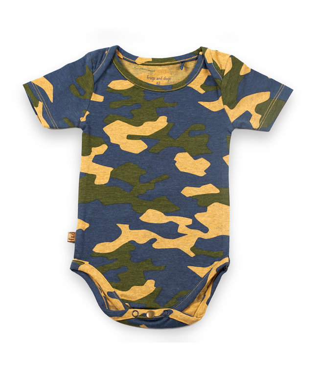 """Frogs and Dogs F&D NB Romper Camo """" Camo """""""
