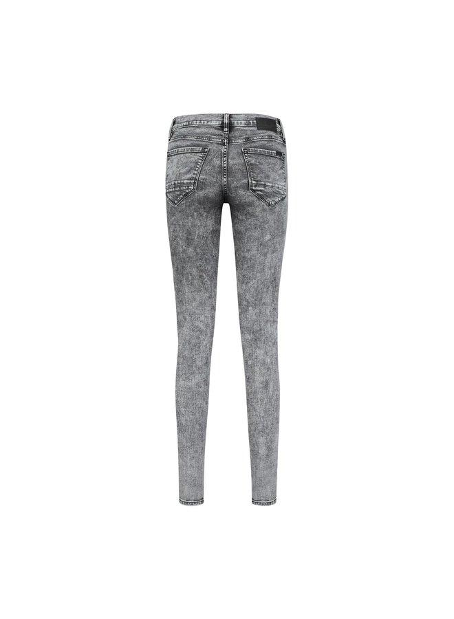 Pippa Dnm   1633-clash of grey