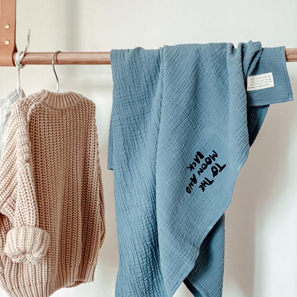 TOWEL HUGE MISTY BLUE