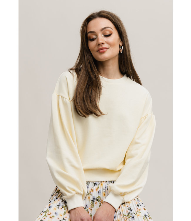 Cassandra Sweatshirt - Light Yellow
