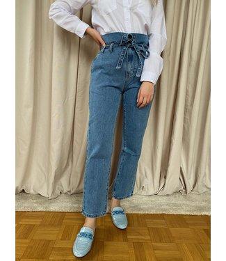 strik mom jeans