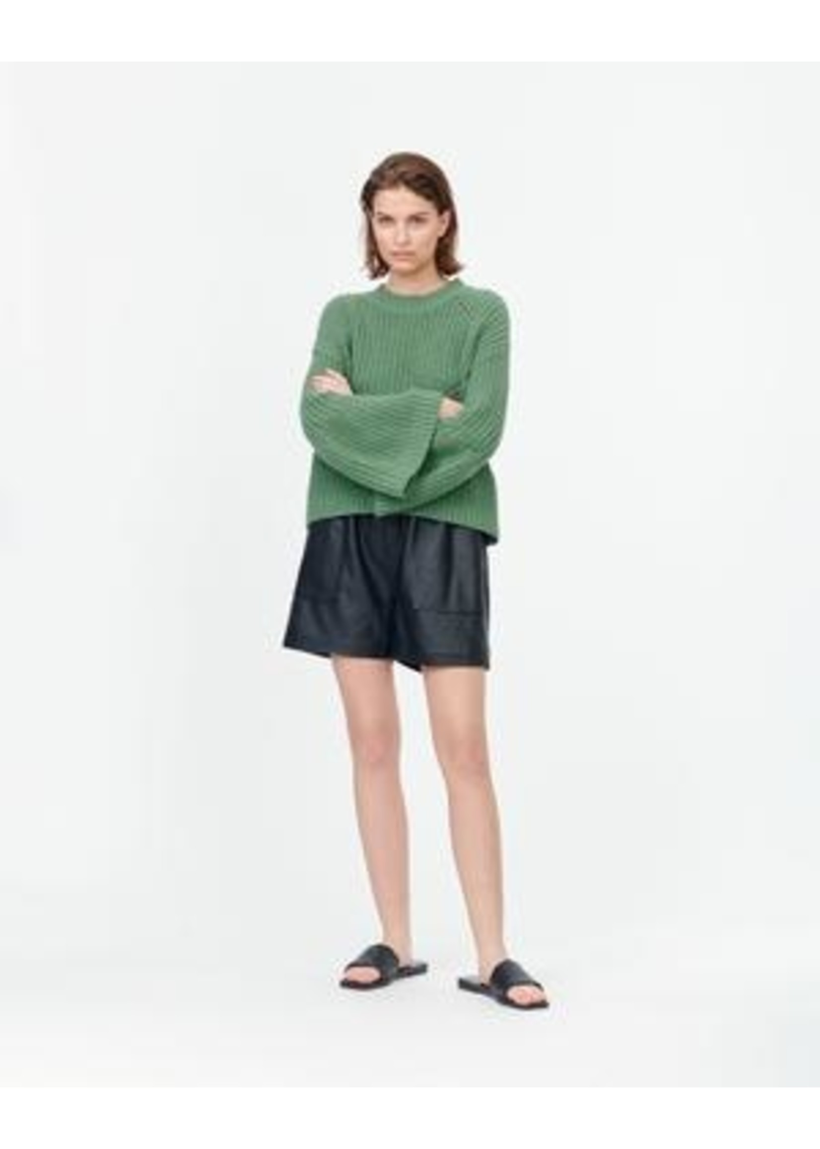 WIDE SLEEVE KNIT (2 COLORS AVAILABLE)