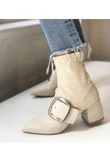 CREAM BOOTS WITH BUCKLE