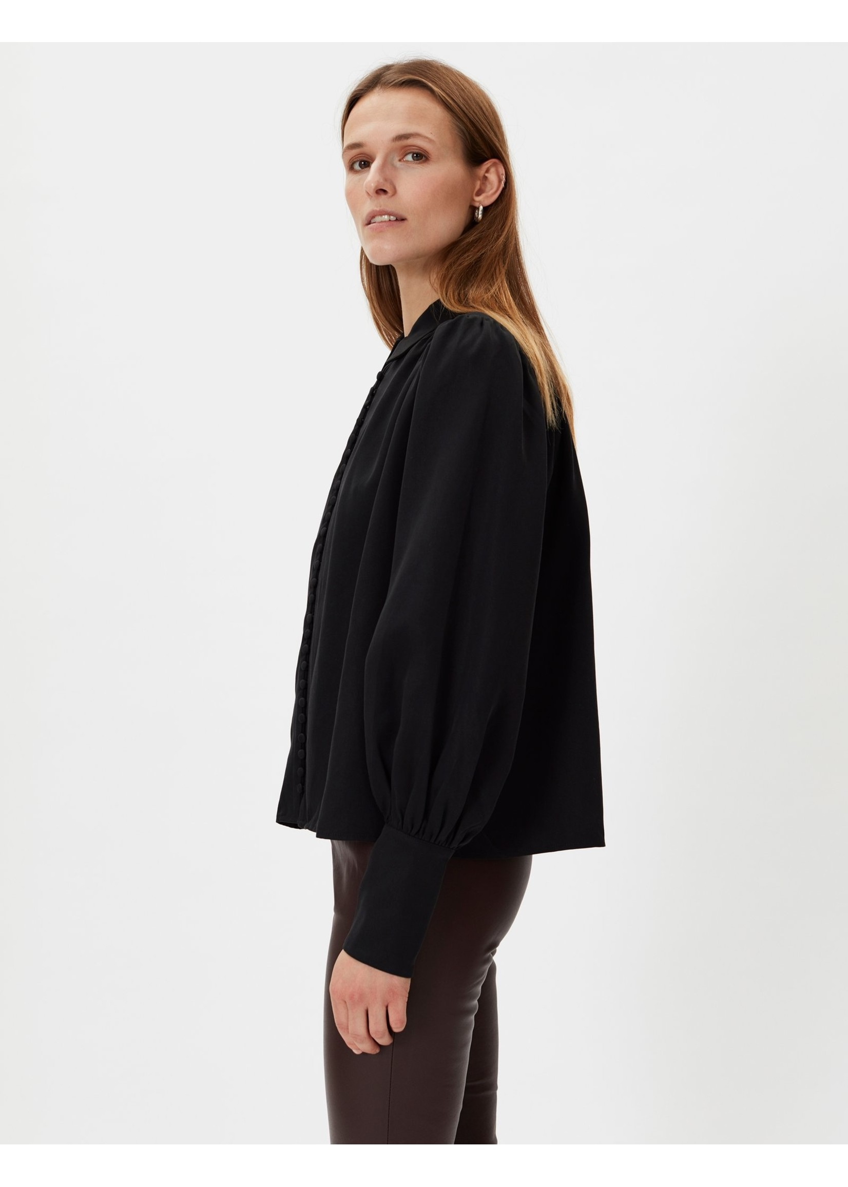 BUTTONED BLOUSE