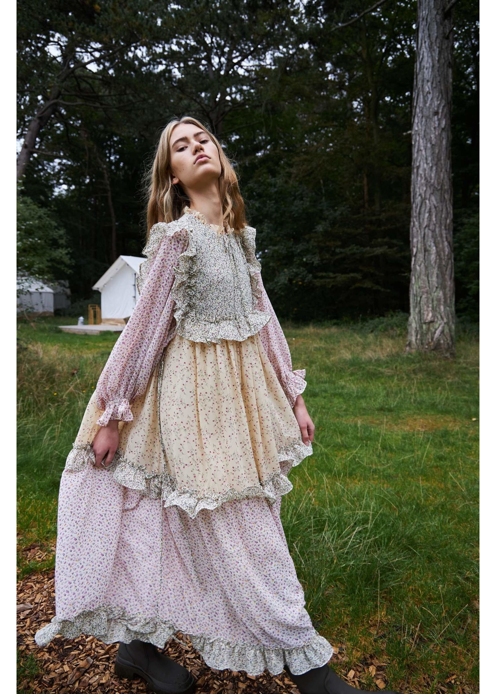 RUFFLE DRESS FLOWER MIX