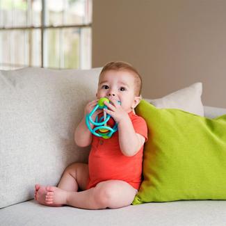 Babyspeelgoed - rammelaar bal assorti, 10cm