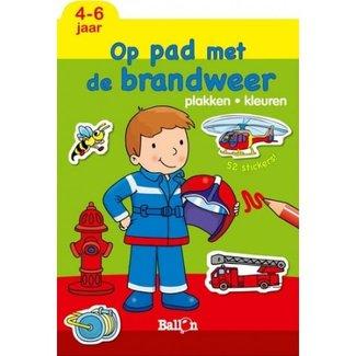Doeboeken - Plakken en kleuren, Op pad met de brandweerman