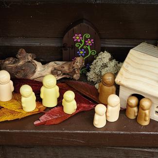 Yellow Door Sensomotorische speelstenen - little people, set van 9
