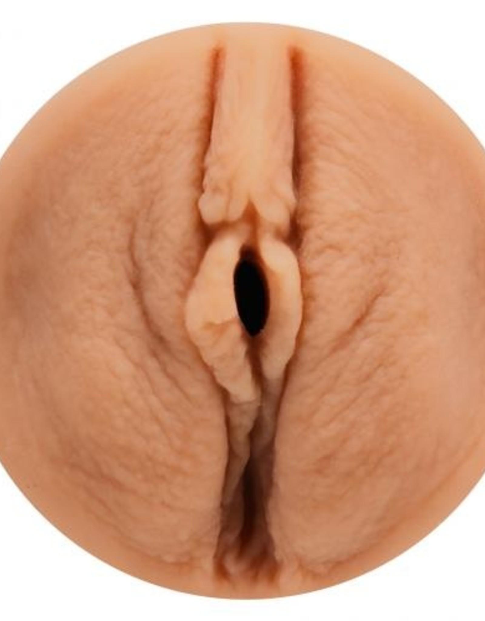 Main Squeeze Main Squeeze  Gabbie Carter