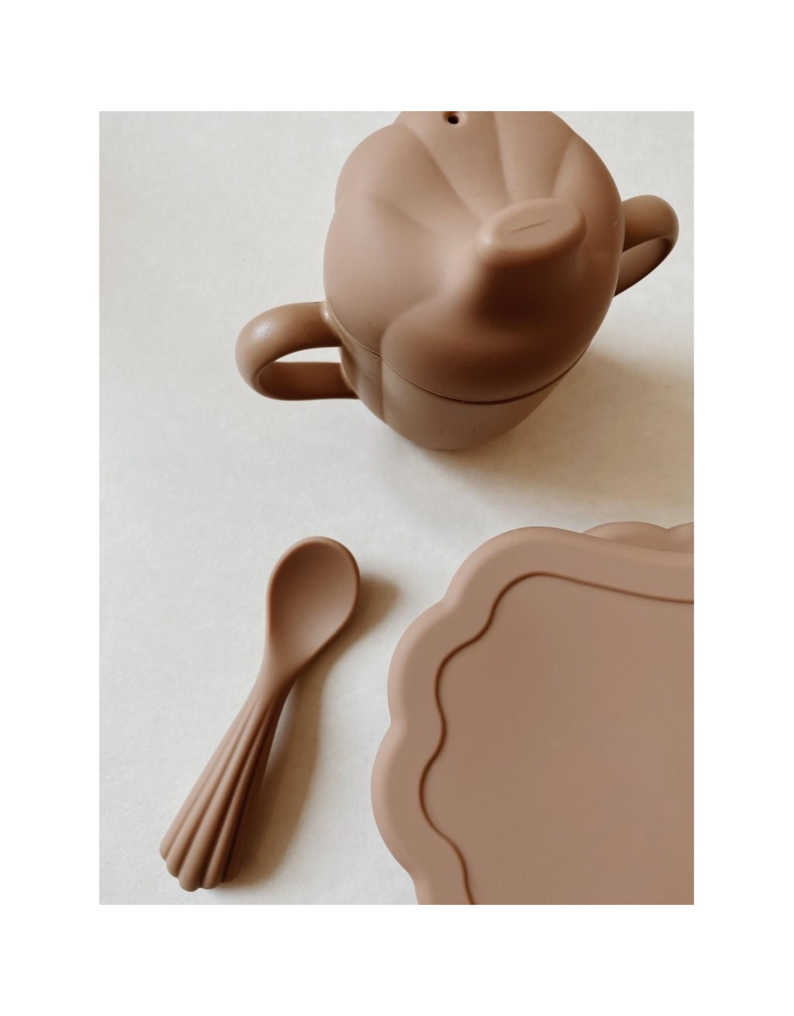 Konges Slojd Set à manger en silicone - coquilage / Terra Cotta