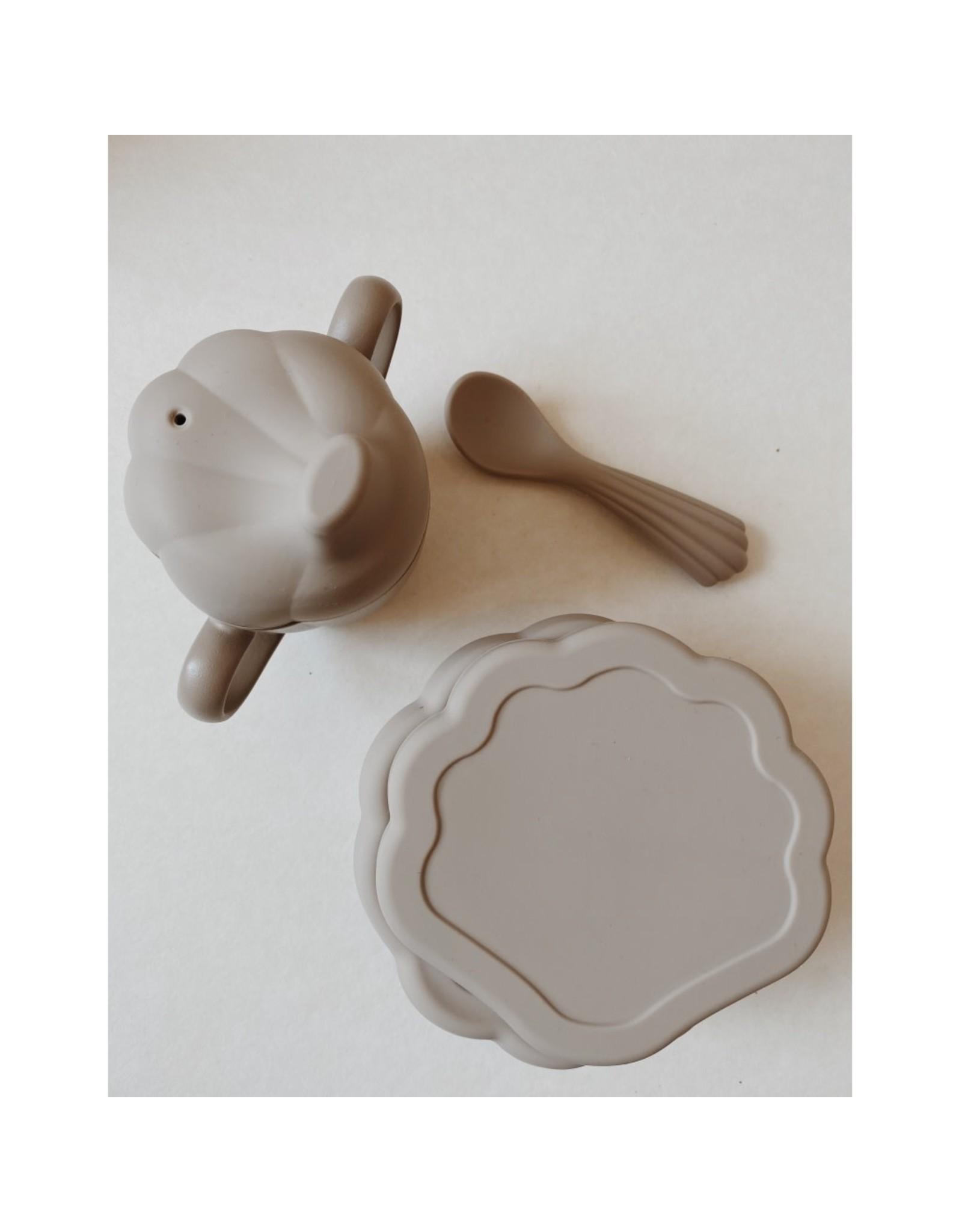Konges Slojd Set à manger en silicone - coquillage / Gris