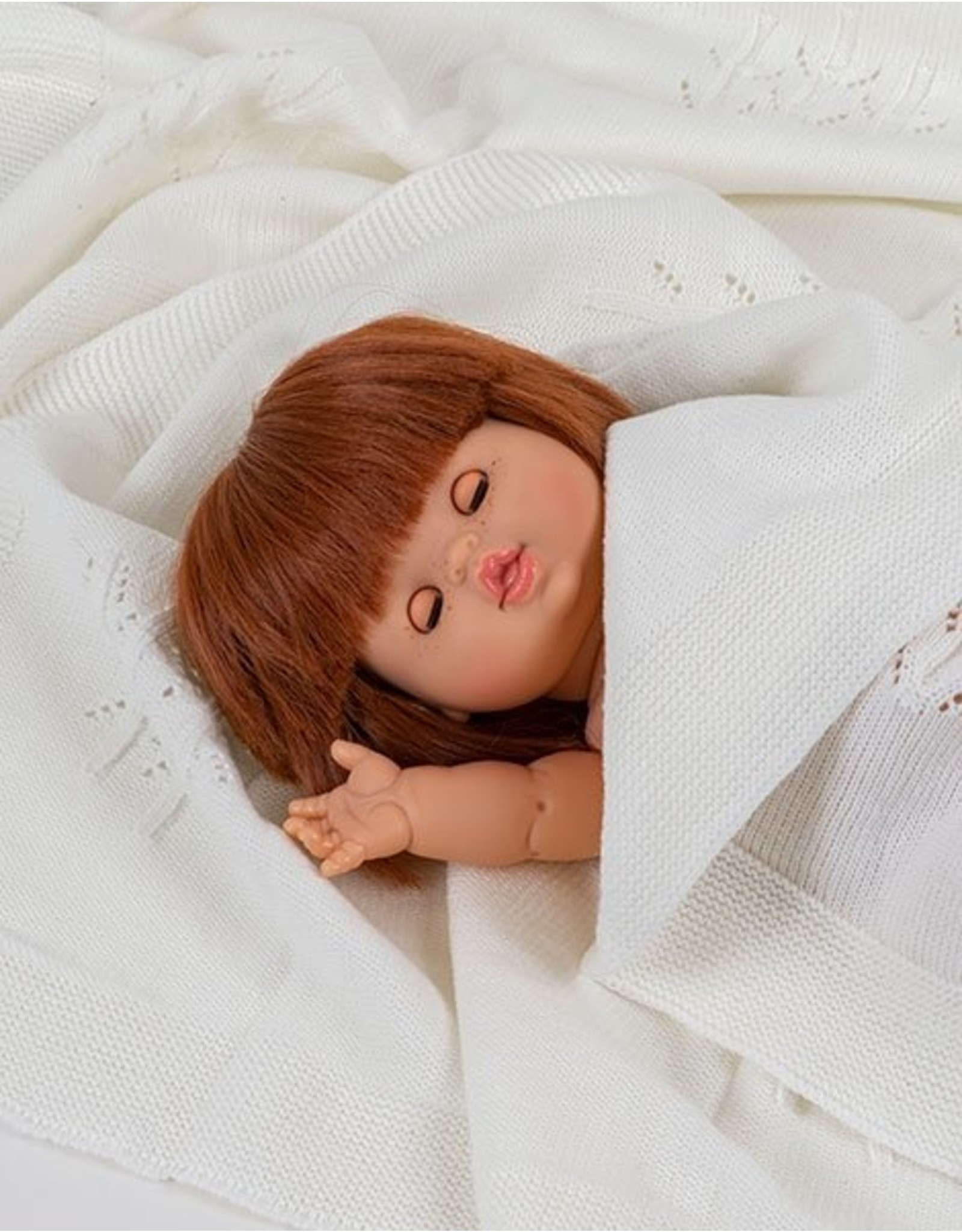 Paola Reina Poupée fille Capucine aux yeux dormeurs