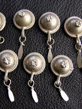 Dangle Buttons
