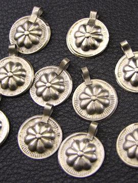 Gillet silver pendant