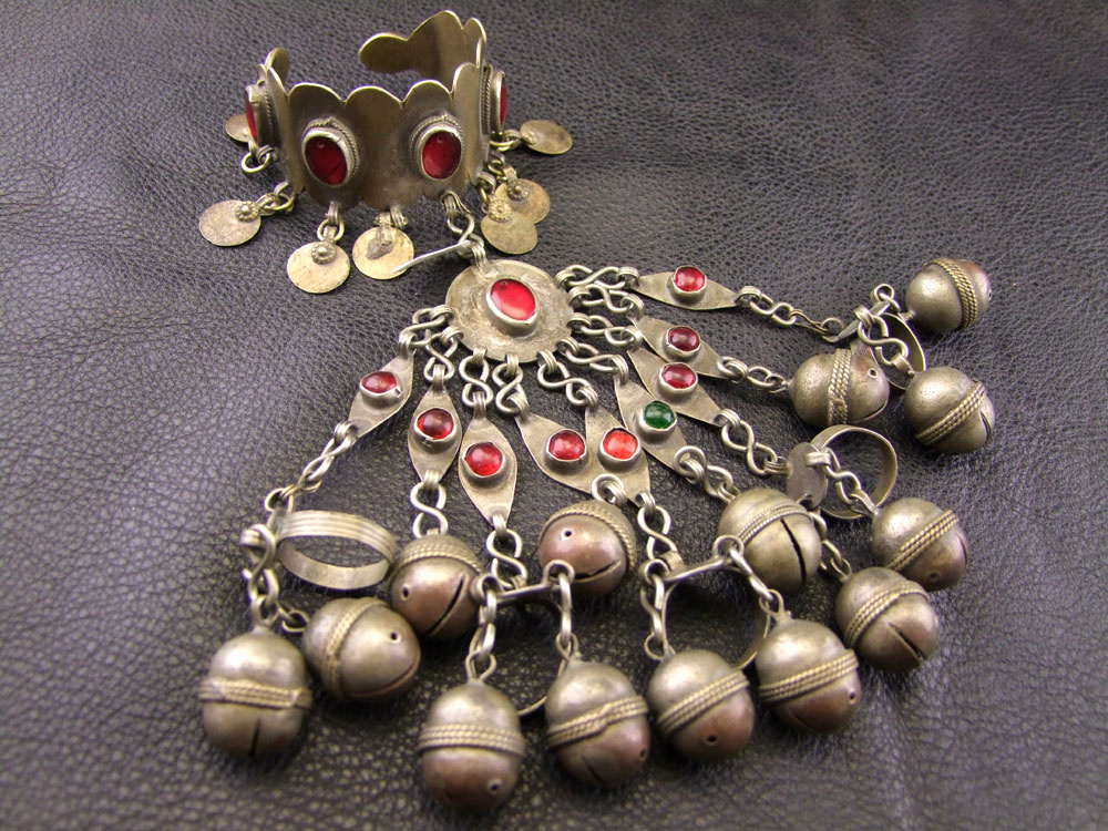 Tribal Turkmenen Handflower
