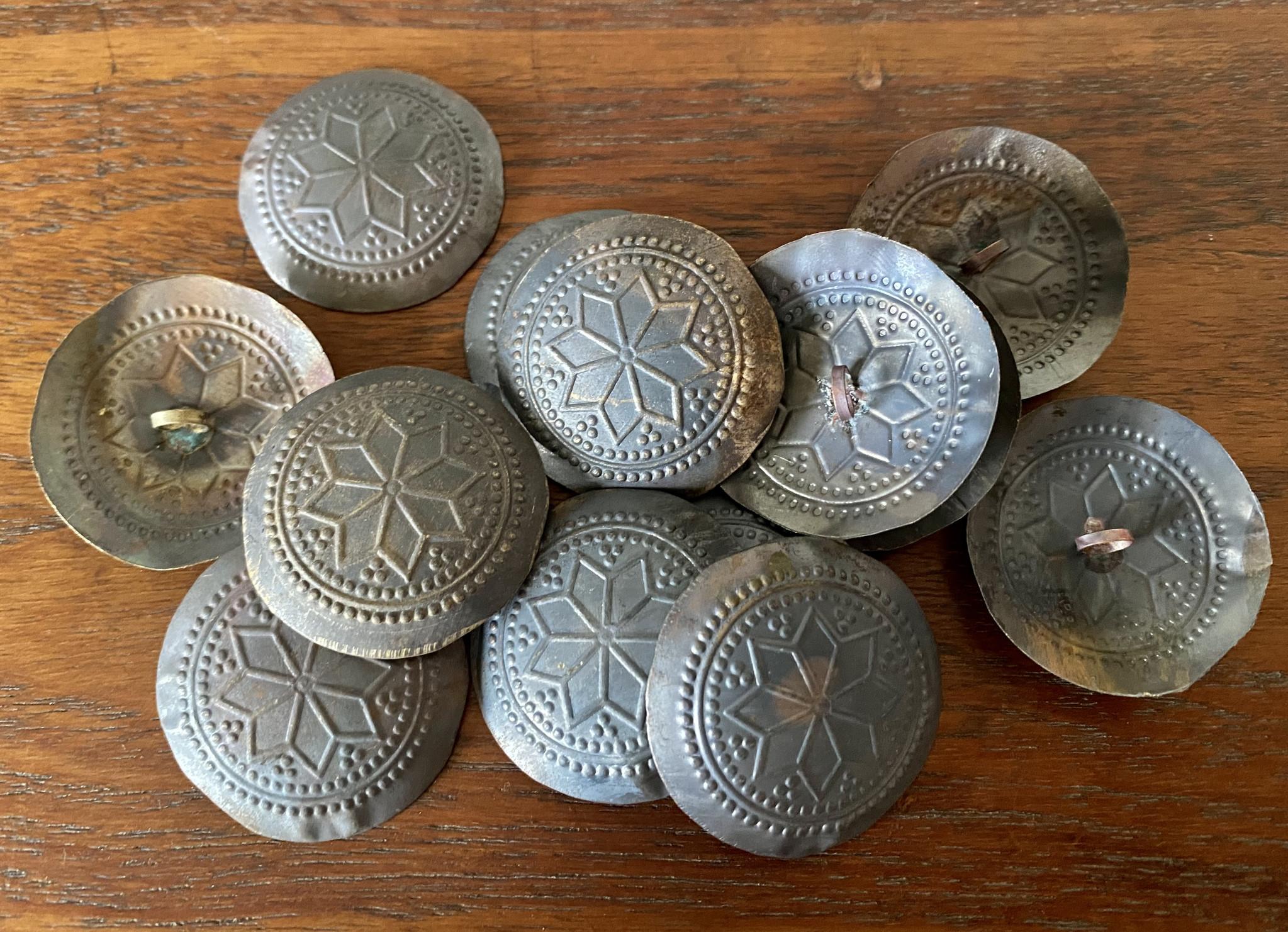 Gillet Button